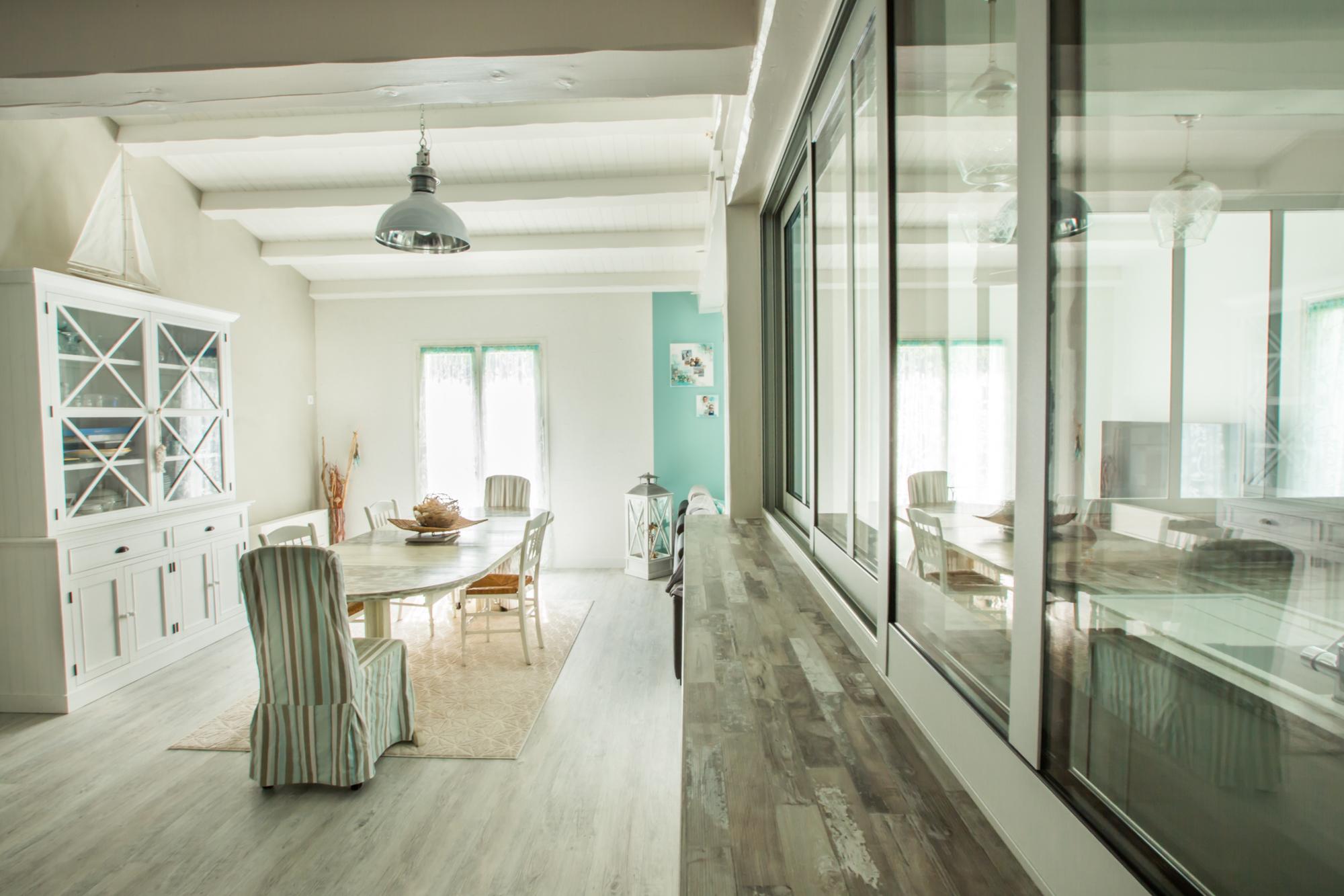maison sur l 39 ile de r r alisations pignol peinture. Black Bedroom Furniture Sets. Home Design Ideas